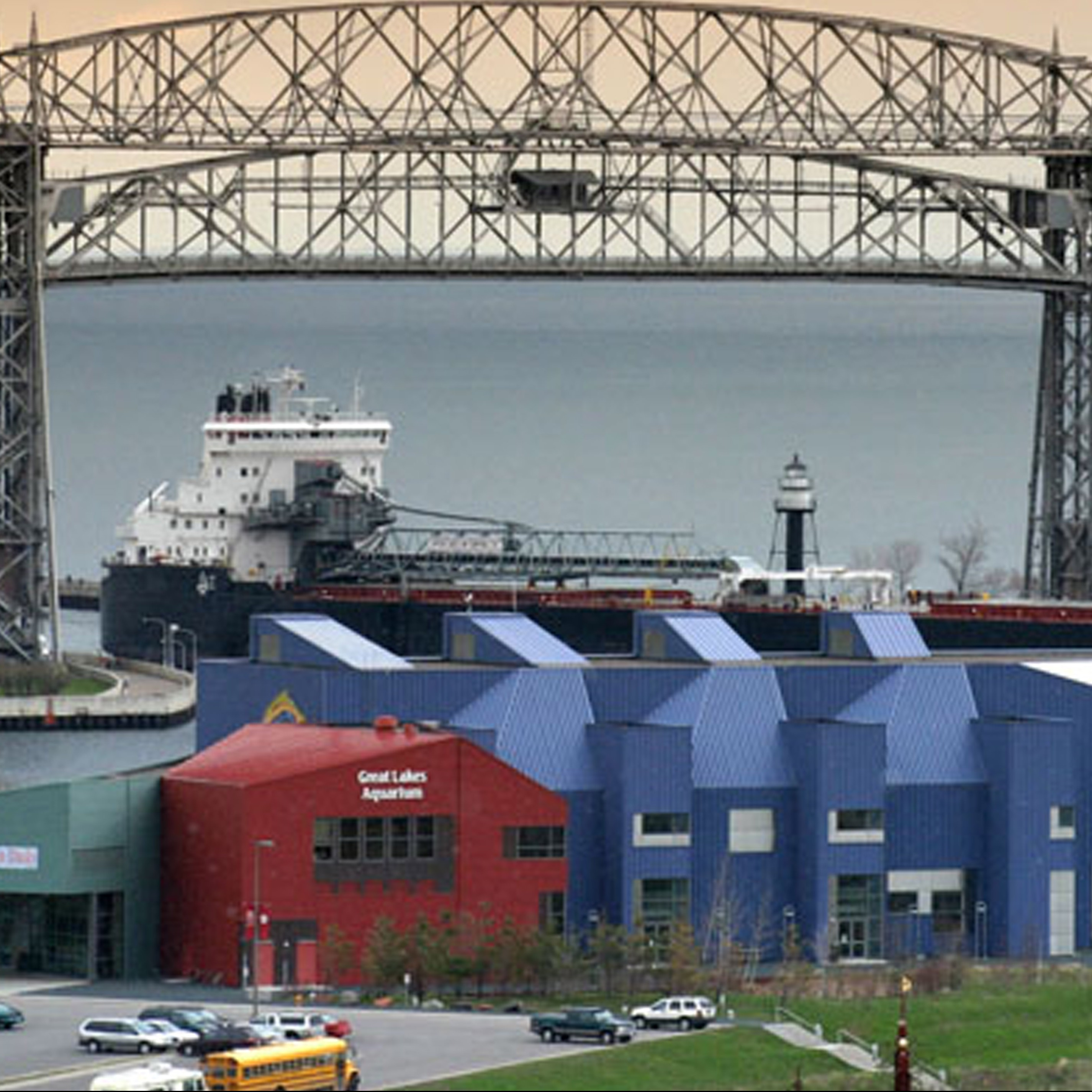 Great Lake Aquarium in front of Duluth aerial lift bridge