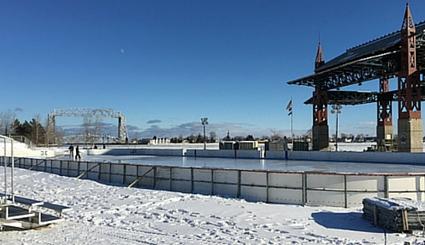 Outdoor Hockey in Bayfront Duluth