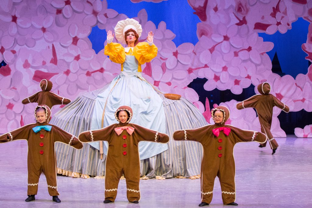Gingerbread kids from the Nut Cracker ballet performed by the Minnesota Ballet company