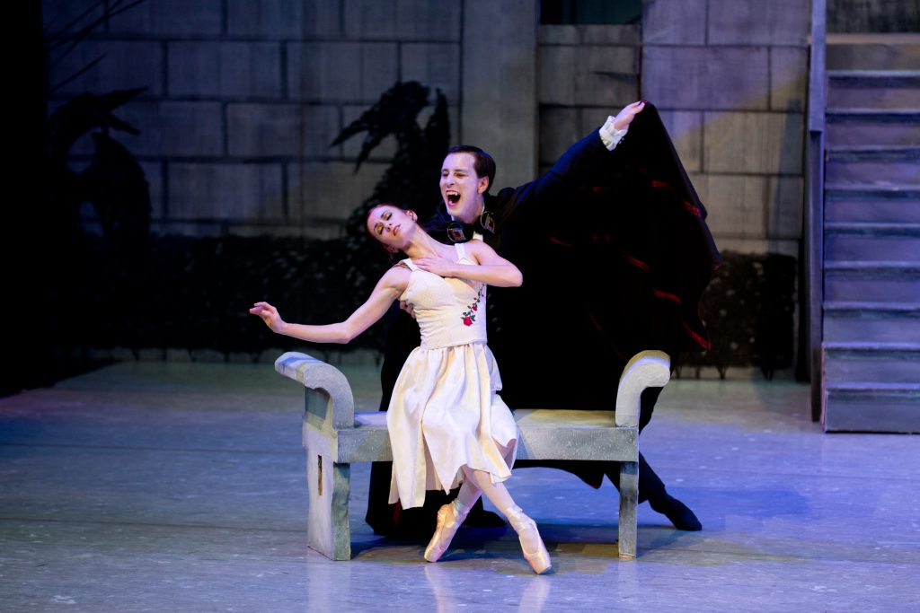 Dracula ballet show