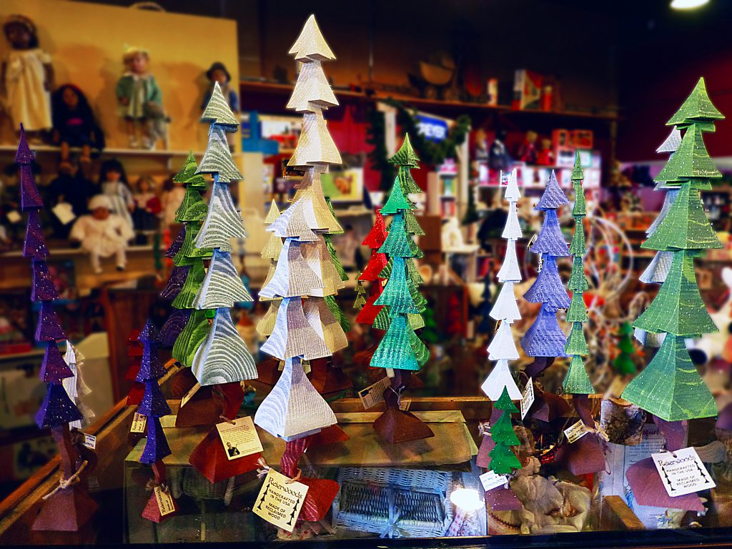 Reierwoods handcrafted wooden trees