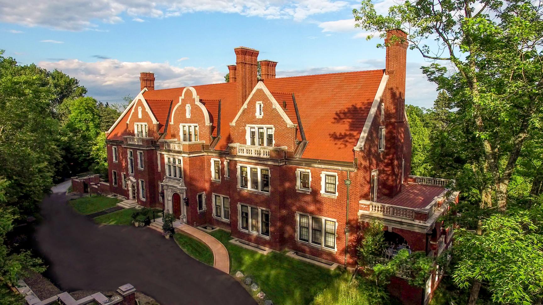 Glensheen Mansion Front