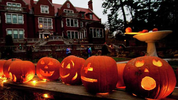 halloween at glensheen